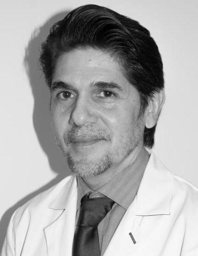 Dr. Andrés Romero, Cirujano y médico estético. Nº de colegiado: 282910336