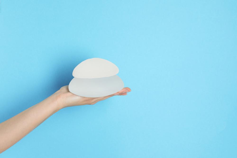 ¿Qué es la contractura capsular? ¿Qué síntomas tiene?