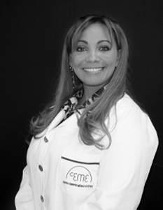 Dra. Esperanza García. Médico estético especialista en ginecoestética. Nº de colegiado: 282868055