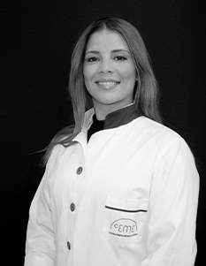 Dra. Raquel Fernández De Castro. Médico Estético. Nº de colegiado: 284622240