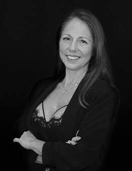 Denise Delgado. Asesora